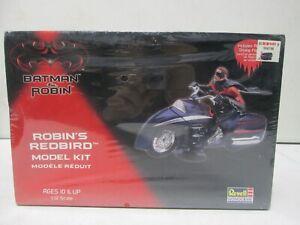 Revell Batman and Robin Robin's Redbird model Kit 1/12