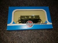 OO Gauge Airfix 54373-2 Grey LMS 5 Plank Wagon 404104 boxed