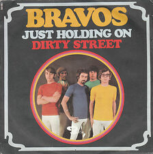"7"" 45 TOURS FRANCE LOS BRAVOS ""Just Holding On / Dirty Street"" 1969"