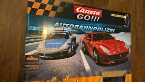 Carrera GO!!! - Autobahnpolizei 62321 Rennbahn mit 2 Autos