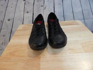 Womens Black Slip Resistant, Relaxed Fit, Memory Foam Skechers sizez 7.5