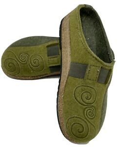 Haflinger Women's Size 38 US 7.5 Green Wool Embroidered Clogs Mules Slippers