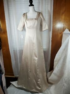 Mori Lee Mother Of The Bride/Groom Champagne Dress Size  11/12 short sleeve