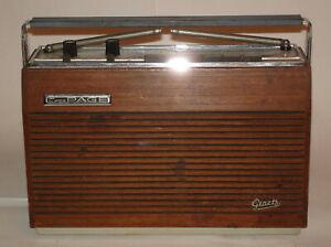 Graetz Super Page H47F, ein 7 AM-, 13 FM-Kreis-Super von 1966/67 im Holzgehäuse.