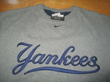Vintage Nike NEW YORK YANKEES Embroidered (MED) T-Shirt w/ Tags