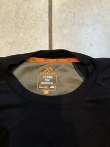 FIRST LITE MEN'S AEROWOOL FUSE LIGHTWEIGHT 200 CREW TOP AND BOTTOM. SIZE L