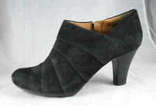 Gently Used  CLARKS Artisan Society Gown Black Suede Side Zip Ankle Boot 11 M