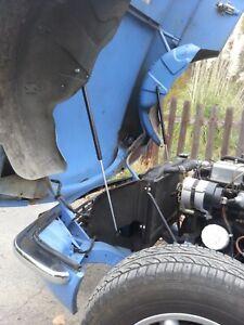 Triumph Spitfire 1962 - 1970 Bonnet easy Lift Kit built in Gas struts