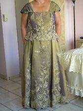 WOMEN   WEDDING DRESS  Size  20   B 46   W 39    H 44