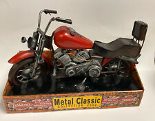 Diamond Metal Classic Collection 2002 Motorcycle Red and Black 12 inch