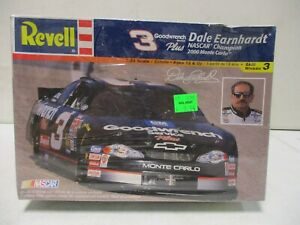 Revell Dale Earnhardt Goodwrench Nascar Champion 2000 Monte Carlo 1/24 10/27