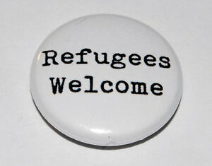 REFUGEES WELCOME 25MM / 1 INCH BUTTON BADGE