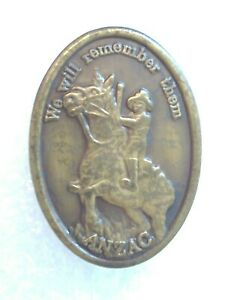 Anzac Day-Collectable-Anzac We Will Remember Them Badge-Pin-Lapel