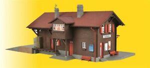 Kibri H0 39519 Bahnhof Surava inkl. Hausbeleuchtungs- Startset,  Neu