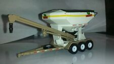 1/64 CUSTOM HIGHLY DETAILED DEKALB SEED TENDER SPEC CAST ERTL FARM TOY