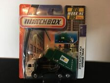 Super RARE !! Matchbox Waste Management 09' autocar real working rigs.