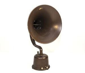 Nice Looking Bristol Company Audiophone Jr. Painted Brass Horn Speaker