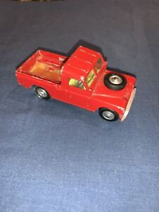 """RARE 438 Corgi Toys Red Land Rover 109"""" W.B Made In Great Britain"""