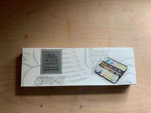 Windsor & Newton professional lightweight sketchers box, lightly used, rep£59.95
