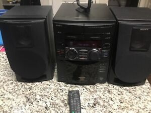 Sony MHC-F100 Compact Stereo System Storage 50+1 CD Great Shape + Remote