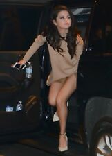 Selena Gomez Getting Out Of The Car 8x10 Photo Print