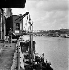 PARIS c. 1950 - Le Port Grue Chargement Bateau - Négatif 6 x 6 - N6 P120