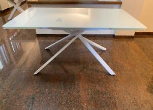 Table Base Metal, Plan White Glass, 2 Extending From 15 11/16in - Item 950