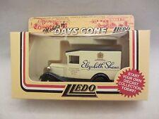 Lledo Days Gone 1934 Ford Model 'A' Van #13029 Elizabeth Shaw Nib (10)