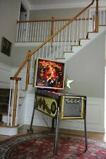 Spectacular! Eight ball Deluxe Collector Pinball Machine clean! New Playfield!