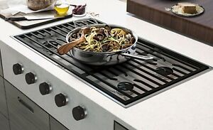 """Wolf 36"""" Contemporary Gas Cooktop - 5 Burners (CG365C/S)"""