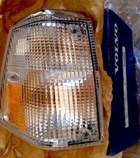 Volvo Genuine NIB 240 244 245 Front Passenger Right Turn Signal  1312630