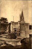La Rochelle France CPA ~1920/30 Porte des Deux Moulins Eingang der zwei Mühlen