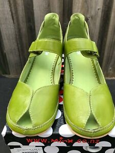 Minx green leather peep toe shoes 41 as new