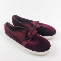 Catherine Malandrino Womens Size 8.5 Velour Slip On Shoes Sneakers Burgundy Bow