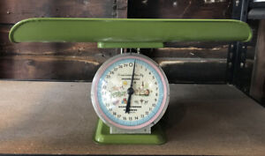 Vintage AMERICAN FAMILY NURSERY SCALE Baby Scale 30 LBS Retro Green with Tag