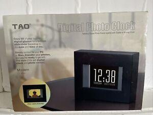 Digital Photo Clock - TAO - Modern Style