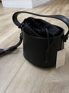 A New Day~Drawstring Closure Bucket Bag w/ Detachable Strap~Black