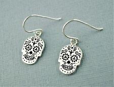 Pendientes Plata Cráneo Blanco Howlite calaveras Gotico Goth Gota Gancho Color Plata