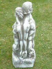 statue d un couple nue en pierre patinée , superbe ! nouveau !!!