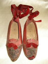 souliers d'enfant  ottomans anciens brodés  - iles grèques - côte dalmate