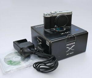 Fujifilm XM1 Silver Body 16MB