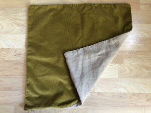 "Pottery Barn Olive Green Velvet Linen 20"" x 20"" Pillow Cover Zip Close"