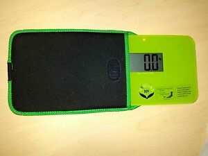 NewlineNY Super Mini Travel Scale with Protection Sleeve:SBB0638SM-GN+S001MG