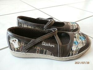 Sketchers Womens Embroidered Flower/Owl Cross Strap Slip On Shoes Comfort  Sz 7