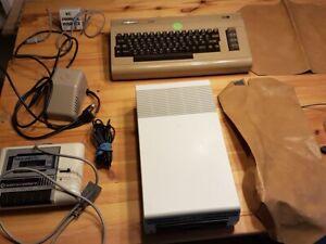 C64 Commodore + Floppy VC 1541 + Datasette + Zubehör Interface + Schutzhüllen