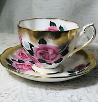 VTG. Queen Anne Tea Cup & Saucer Pink Flowers & Heavy Gold, Bone China-England.