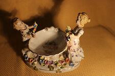 Porzellan Figur Kinder Muschel Blumen Prunkschale Schwertmarke F #5235