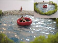 (DW2) Diorama - red rubber boat - lake (1:220)