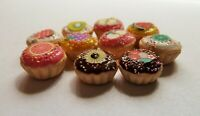 DOLLS HOUSE MINIATURE FOOD 1:12 * 10 X MIXED COLOUR CUPCAKES * COMBINED P+P