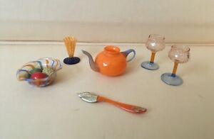 Sechs alte blaue/orange Lauscha Glasteile, teilweise Fadenglas